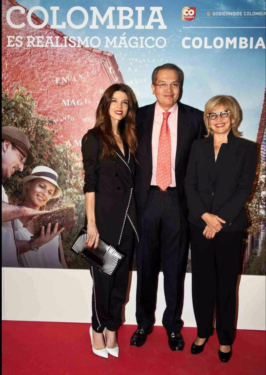 Juana Acosta homenajeada por la embajada de Colombia